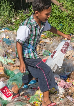 Campuchia đối mặt với vấn nạn rác thải nhựa