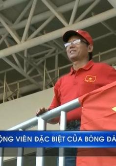 AFF Cup 2016: Câu chuyện về CĐV đặc biệt của bóng đá Việt Nam