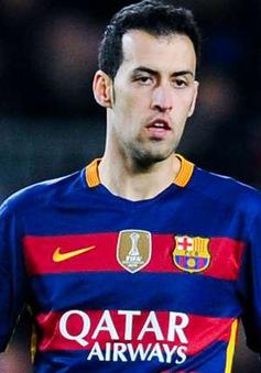 """Siêu tiền vệ Barcelona """"năn nỉ"""" xin được ở lại CLB"""