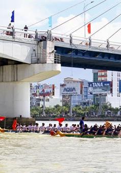 Sôi động Ngày hội đua thuyền tại Đà Nẵng