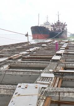 Giảm chiều cao cầu vượt sông Văn Úc, nhiều DN đóng tàu sẽ phải đóng cửa