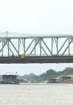 Hà Nội: Hiểm họa tai nạn đường thủy qua cầu Đuống