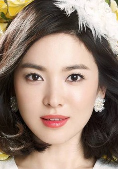 Song Hye Kyo dẫn đầu Top 10 Nữ thần làng giải trí châu Á
