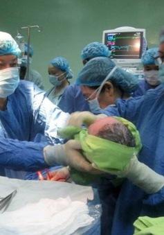 Hơn 10.000 em bé ra đời bằng phương pháp thụ tinh trong ống nghiệm