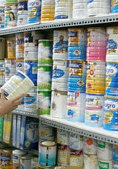 Xem xét dỡ bỏ giá trần sữa trẻ em dưới 6 tuổi