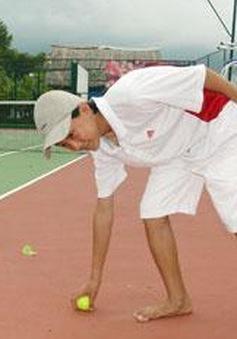 Người nhặt bóng tennis cần nhanh, nhạy, chính xác