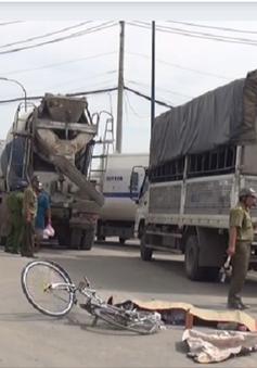 Xe bồn cán chết người giữa giao lộ ở TP.HCM