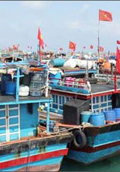 Các tỉnh miền Trung kêu gọi tàu thuyền tránh trú an toàn