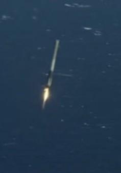 Tên lửa Falcon 9 hạ cánh thành công trên biển
