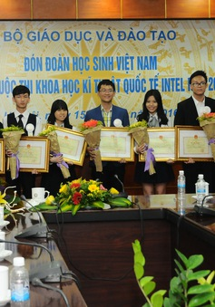 4 dự án của học sinh THPT Việt Nam đoạt giải quốc tế Intel ISEF 2016