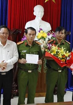 Thưởng nóng cho Ban Chuyên án vụ án phá rừng pơ mu