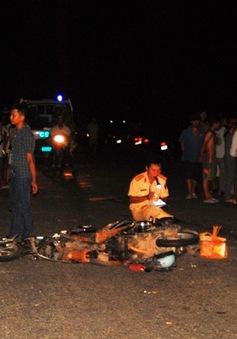 TT-Huế : 2 xe máy đâm nhau trực diện, 5 người thương vong