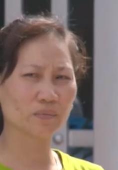 Rớt nước mắt người mẹ hàng ngày chờ con gái đã mất vì tai nạn giao thông