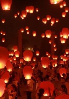 Các khu vui chơi ở Trung Quốc đông nghẹt dịp Tết Trung thu