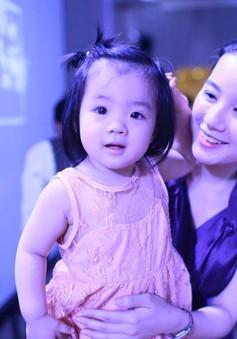 MC Trang Moon dịu dàng hơn sau khi sinh con