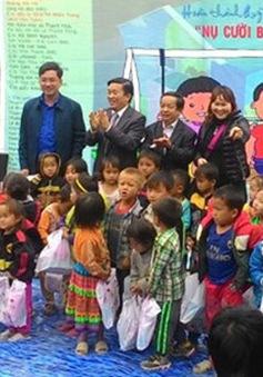 Trao tặng phòng học cho trẻ em vùng cao Thanh Hóa