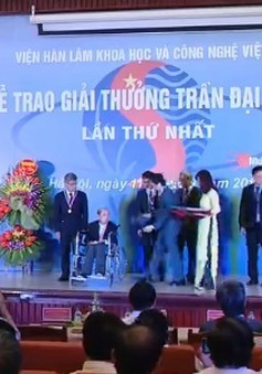 Trao giải thưởng khoa học Trần Đại Nghĩa lần thứ nhất