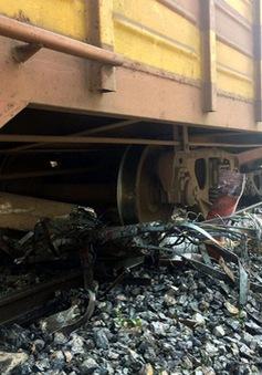 6 toa tàu bị trật đường ray ở Văn Điển, Hà Nội