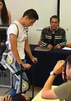 Xương trợ lực dành cho người khuyết tật
