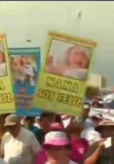 Peru: Hàng ngàn người tham gia tuần hành phản đối phá thai