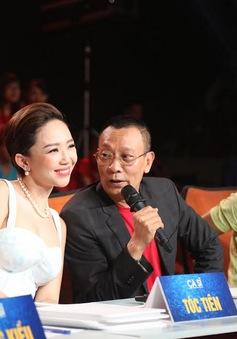 NB Lại Văn Sâm bối rối khi lần đầu tiên cầm tay Tóc Tiên