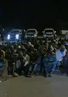 Libya triệt phá 2 tụ điểm chứa người tị nạn, bắt giữ hơn 200 người