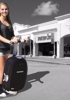 Độc đáo chiếc vali thông minh tự đi theo chủ nhân