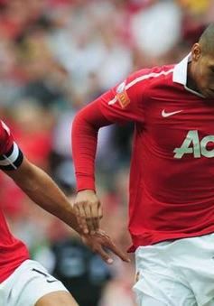 Man Utd bết bát, Vidic vẫn khen hàng phòng ngự... chơi hay
