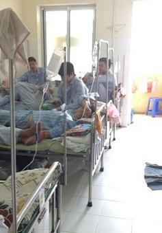 Miền Trung: Giao mùa, bệnh nhi nhập viện gia tăng