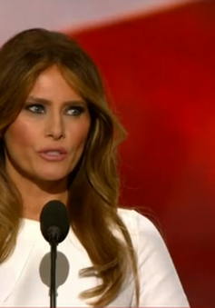 """Vợ tỷ phú Donald Trump """"tối sầm mặt mũi"""" với cáo buộc đạo văn"""