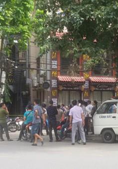 Nổ súng tại nhà nghỉ ở Hà Nội, nhân viên lễ tân bị bắn chết