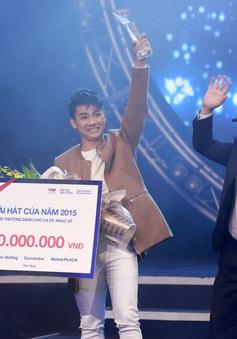 Hoài Lâm cảm ơn... chính mình khi nhận giải Bài hát của năm 2015