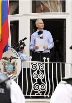Nhà sáng lập WikiLeaks bị thẩm vấn tại ĐSQ Ecuador ở London