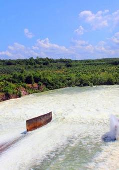 Hồ Dầu Tiếng tiếp tục xả lũ xuống sông Sài Gòn