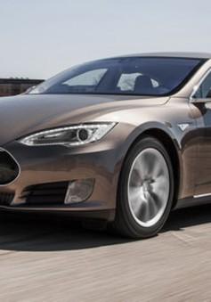 Hãng Tesla bị điều tra sự cố hệ thống tự lái