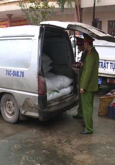 Quảng Trị bắt giữ vụ vận chuyển hàng lậu