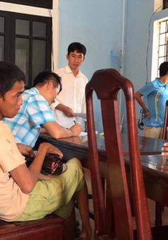 CSGT truy đuổi 2 kẻ cướp giật tài sản của người tàn tật