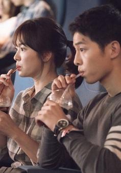 Cặp đôi Song - Song của Hậu duệ mặt trời hào hứng kỷ niệm 1 năm ngày phim lên sóng