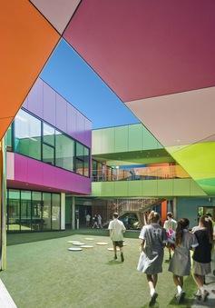 Ấn tượng ngôi trường với không gian ngập tràn sắc màu