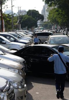 TP.HCM thí điểm thu phí đậu xe ô tô qua điện thoại