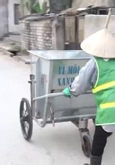 Người phụ nữ Thanh Hóa cần mẫn giữ sạch những con đường