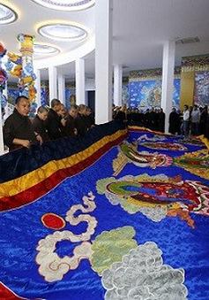 Khai mở bức tranh cuộn Phật Quan Âm lớn nhất Việt Nam