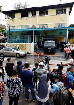 Malaysia: Buộc tội 2 nghi can đốt trường tại Kualar Lumpur