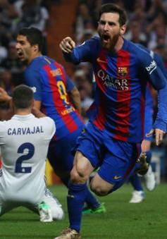 Messi tỏa sáng phút bù giờ, Barcelona quật ngã Real Madrid tại Bernabeu
