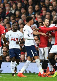 VIDEO: Man Utd suýt trừng phạt sai lầm của hàng thủ Tottenham