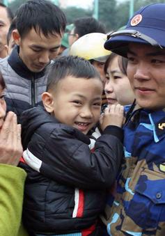 Gần 3.000 tân binh xứ Nghệ hăng hái lên đường nhập ngũ