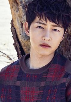 Chỉ với một ánh nhìn, Song Joong Ki đã khiến fan ngây ngất