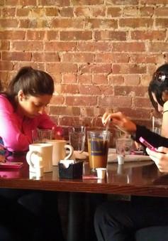 """Café sáng với VTV3: """"Siêu thị"""" tin văn hóa, xã hội giới trẻ quan tâm"""