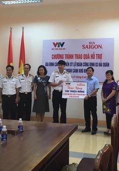 Quỹ Tấm lòng Việt trao quà hỗ trợ gia đình cán bộ, chiến sỹ Lữ đoàn Công binh 83 Hải quân