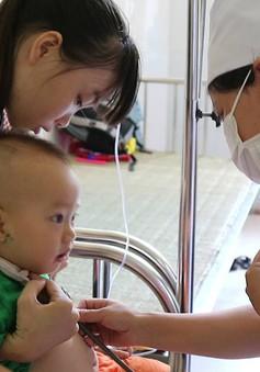 Dấu hiệu trẻ bị viêm đường hô hấp khi giao mùa